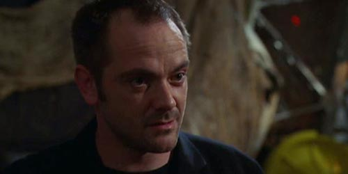 Mark Sheppard incarne Arnon dans Charmed - Witches in Tights (5.05)