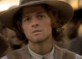 Misha Collins incarne Andrew en 1998 dans Legacy (The Big Fix – 1.08)