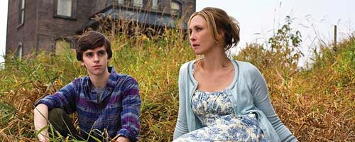 Bates Motel Saison 1 - Bates Motel - First You Dream, Then You Die (1.01 - Pilote)