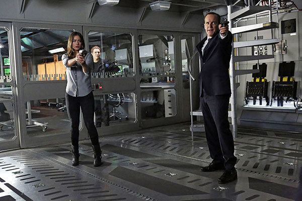 agents of shield 1x17 - Agents of S.H.I.E.L.D. : Le point de non retour (Turn, Turn, Turn - 1.17)