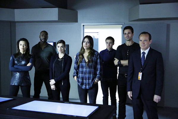 Agents of S.H.I.E.L.D. - The Only Light In The Darkness (1.19)