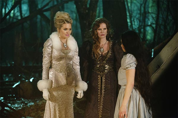 Glinda, Zelena et Dorothy dans Once Upon a Time - Kansas (saison 3, episode 20)