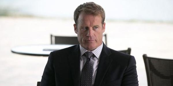 Mark Valley (dans Crisis)