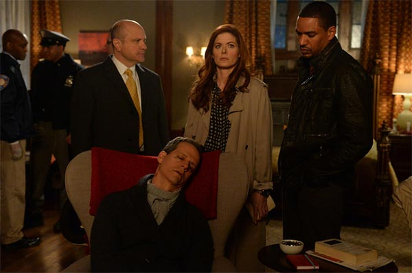 the mysteries of laura saison 1x01 600x398 - The Mysteries of Laura : Debra Messing enquête (1.01 - pilote)