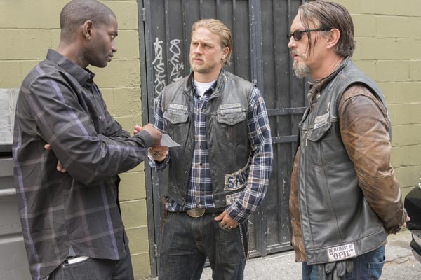 Sons of Anarchy saison 7 episode 7 - Sons of Anarchy : Le mauvais chantage (Greensleeves - 7.07)