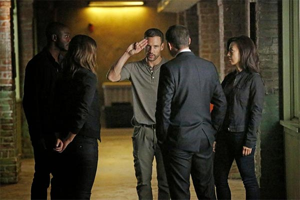 agents of shield 2x02 - Agents of S.H.I.E.L.D. – Heavy Is The Head (2.02)