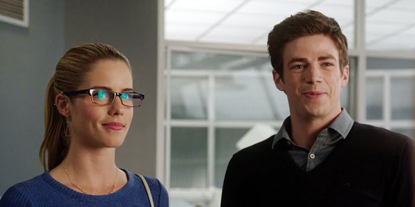 the flash Felicity Going Rogue - Une bande-annonce pour le premier cross-over The Flash/arrow