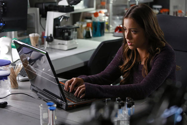 Skye Agents of Shield - 15 hackers de séries TV que rien n'arrête