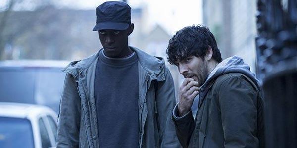 Colin Morgan dans Humans - Remake de Real Humans par Channel 4 et AMC