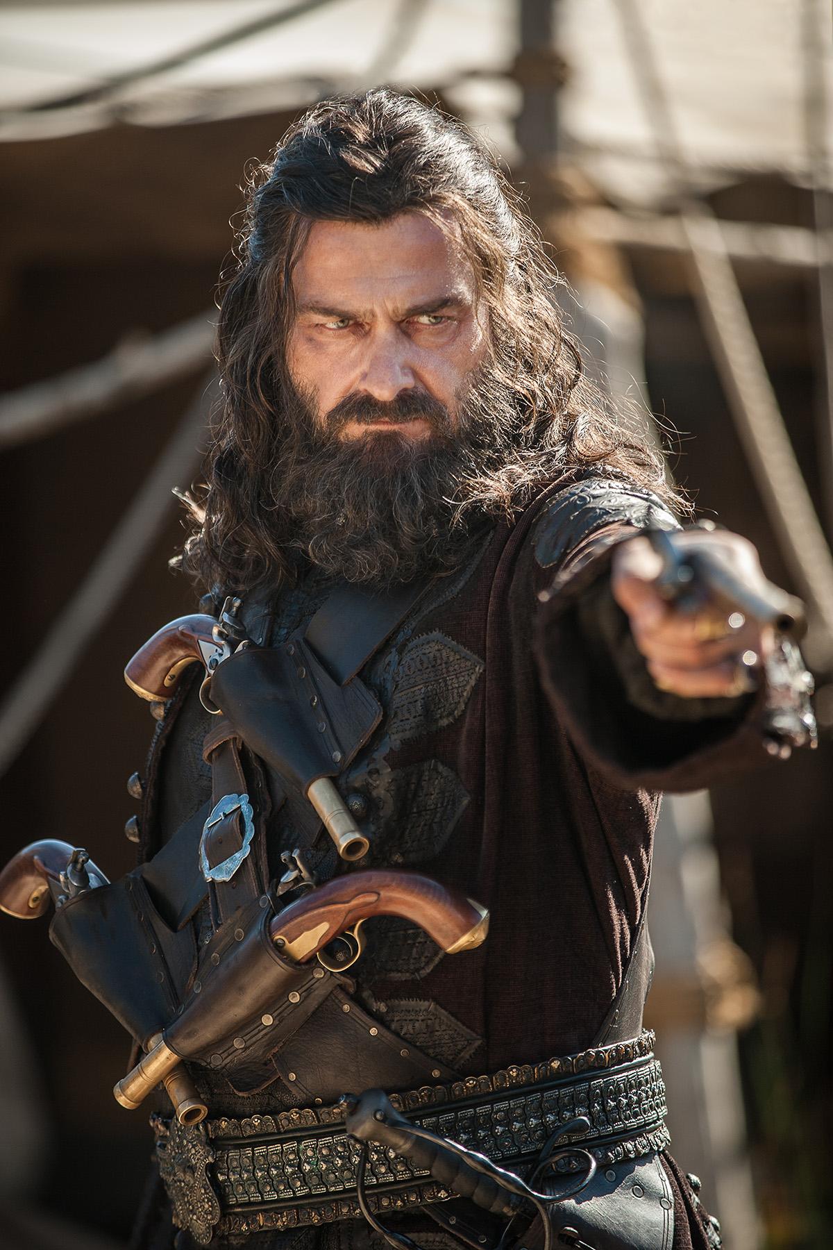 barbe noire black sails saison 3 - La saison 3 de Black Sails accueille Barbe Noire