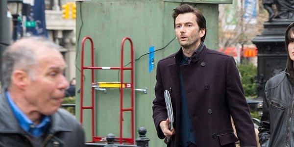 David Tennant Jessica Jones - The Blacklist en comics, Doctor Who à l'école, David Tennant version Marvel et les adieux de Nina Dovrev sont à lire dans le monde des séries