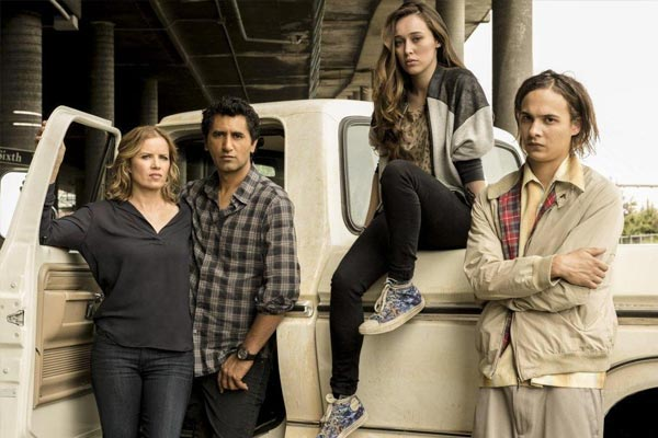Fear The Walking Dead Saison 1 - Les teasers de Fear The Walking Dead se propagent plus rapidement que des zombies