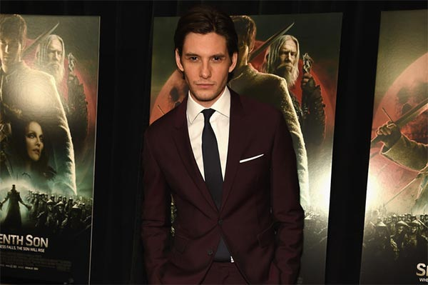 ben barnes premieres seventh son - Westworld : Ben Barnes se rend au parc d'attractions d'HBO