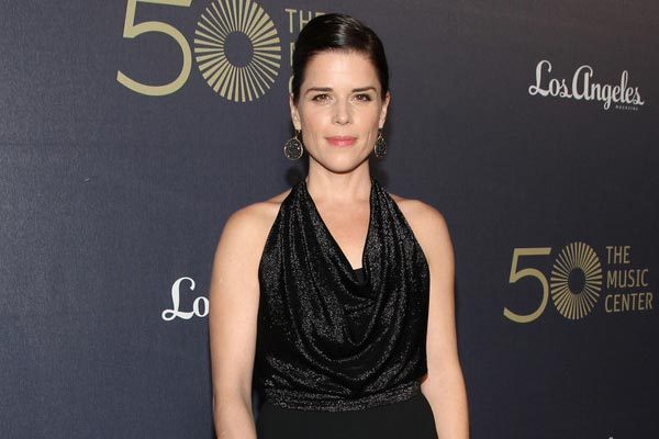 neve campbell 2014 - House of Cards saison 4 recrute Neve Campbell