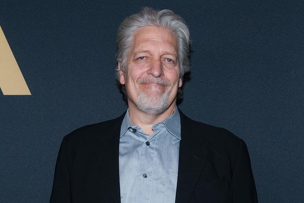 Clancy Brown - Chicago Police Department engage un vétéran de The Flash pour servir d'indic