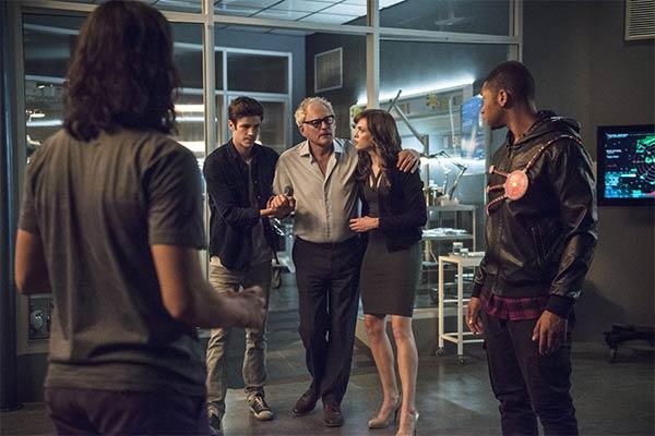 The Flash saison 2 episode 4 - The Flash : Le nouveau Firestorm (2.04)