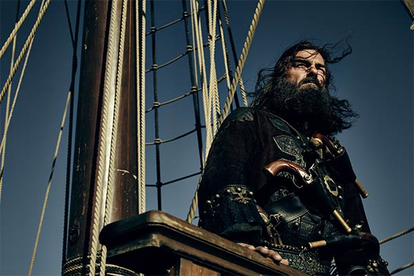 Black Sails Saison 3 : Barbe Noire ou Blackbeard (Ray Stevenson)