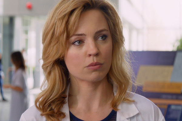 le nouveau trailer de heartbeat met melissa george au travail sans retenue critictoo s ries tv. Black Bedroom Furniture Sets. Home Design Ideas