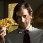 the magicians quentin syfy 140x140 - 52 séries de la saison 2015-2016 qu'il fallait voir