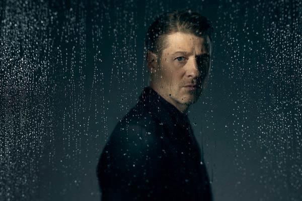 gotham jim gordon saison 3 - À la tête de Gotham, Bruno Heller pense que les super-héros ne sont pas trop à leur place à la TV