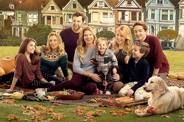 Fuller House Saison 2 Poster - Une saison 3 pour Fuller House, la Fête à la Maison ne s'arrête jamais sur Netflix